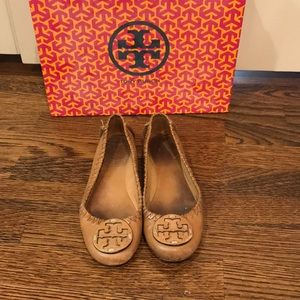 Tory Burch Logo Flats - Tan Leather, Detailed Trim
